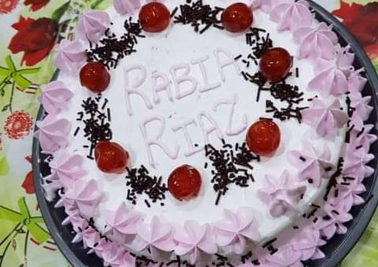Black forest cake(Pakistani cuisine)