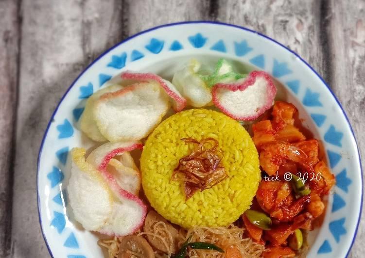 Resep Nasi Kuning Rice Cooker , Enak Banget