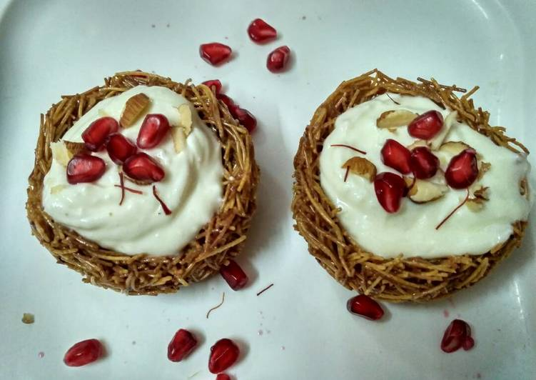 Recipe of Perfect Shrikhand in vermicelli nest