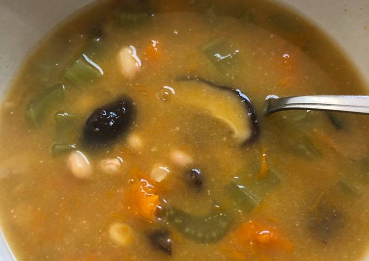 White bean and vegetable soup - vegan