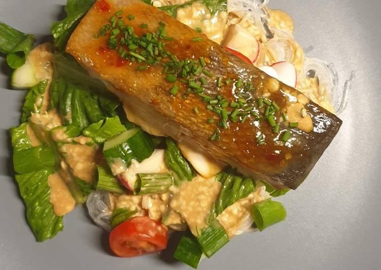 Salmon teriyaki dan creamy sallad