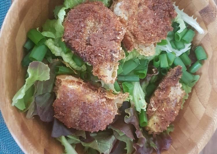 Salade chèvre pané chaud