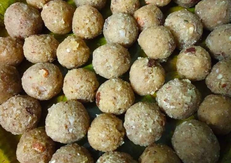 Recipe of Top-Rated Coconut Jaggery Ladoo