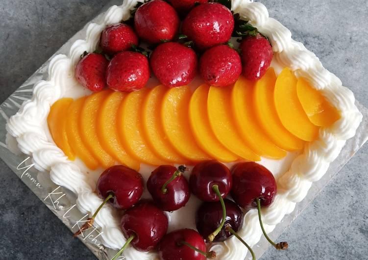 Strawberry and Peach Cake