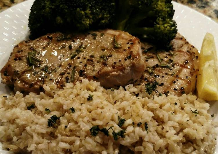 How to Prepare Speedy Grilled Center-cut Pork Chops with Steamed Broccoli and Rice