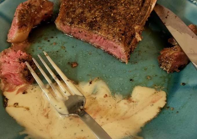 Peppercorn Steak with Sauce