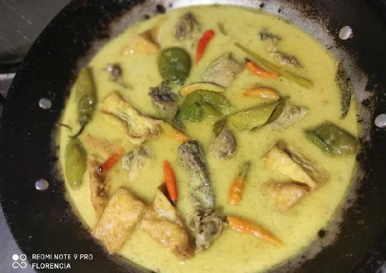 Opor Ayam Tahu Cabe