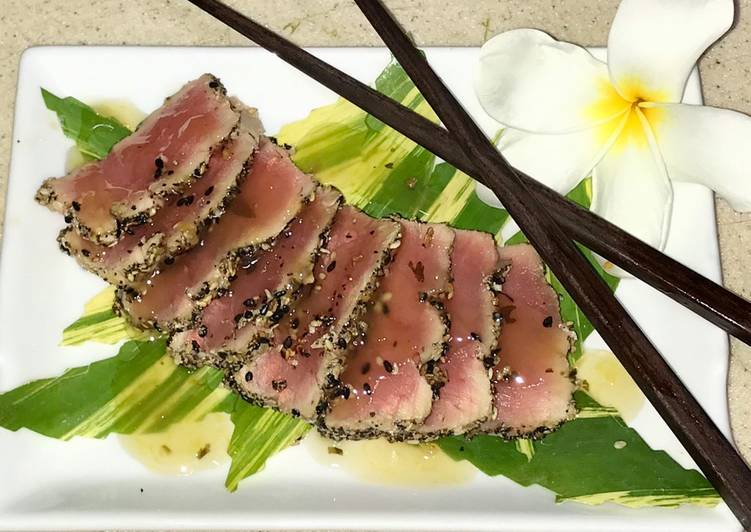 Seared Yellowtail tuna With mango habanero sauce