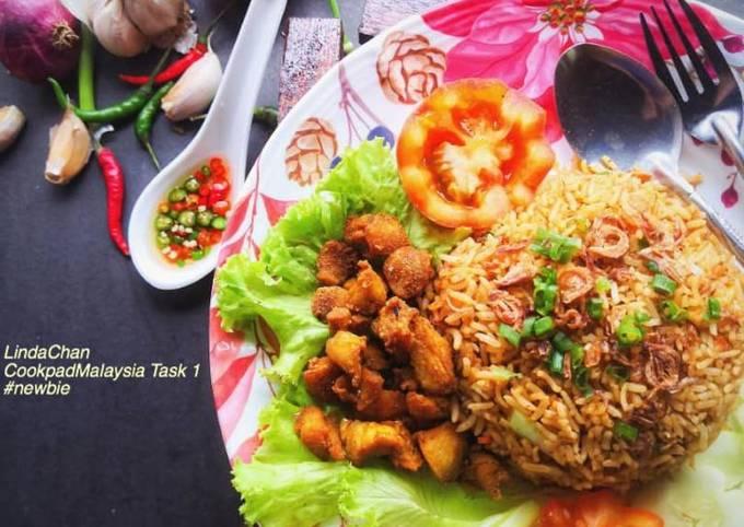 Nasi Goreng Ayam Kunyit