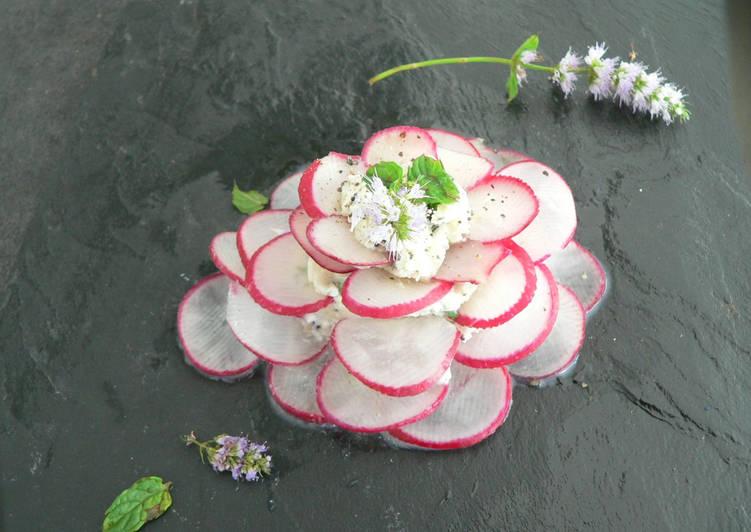 Comment Servir Rose de radis au fromage frais