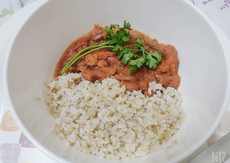 Simple Way to Prepare Super Quick Homemade Rajma Curry (Kidney Beans) with Brown rice