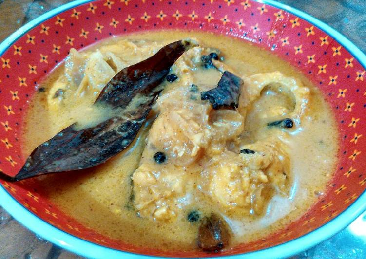 Fish in creamy yoghurt sauce
