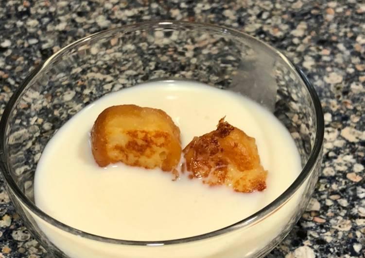 Torrijas donut en sopa láctea de jengibre