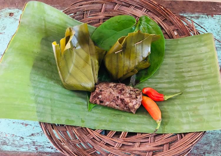 Royal balinese food (Tum ayam bali)