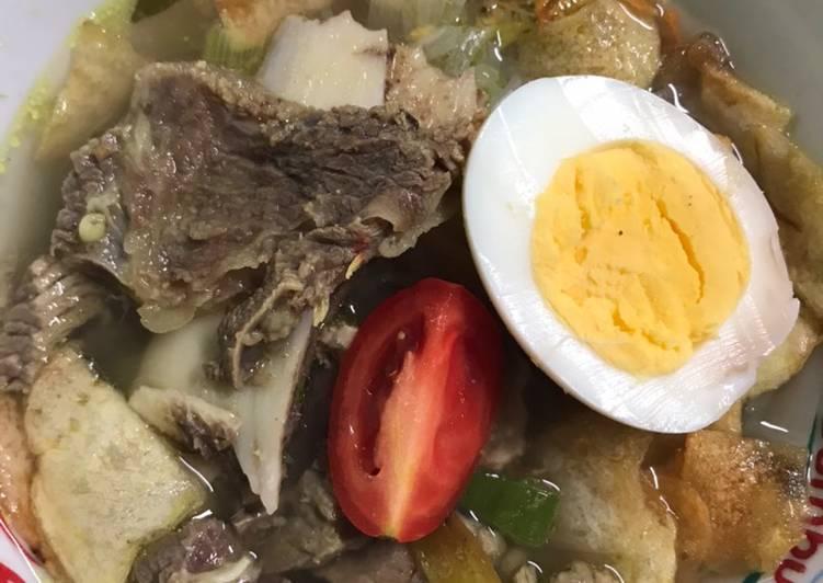 Cara membuat: Soto Daging Sapi dan Tulang Iga