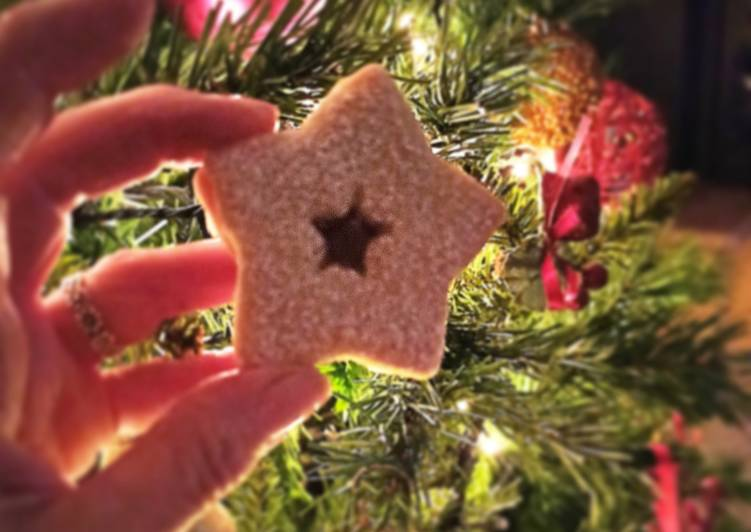 Biscotti natalizi farciti
