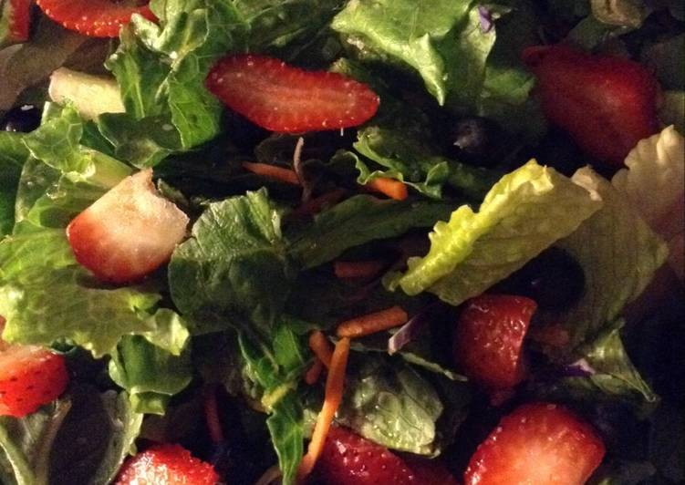 Steps to Make Ultimate Candy's Summer Salad