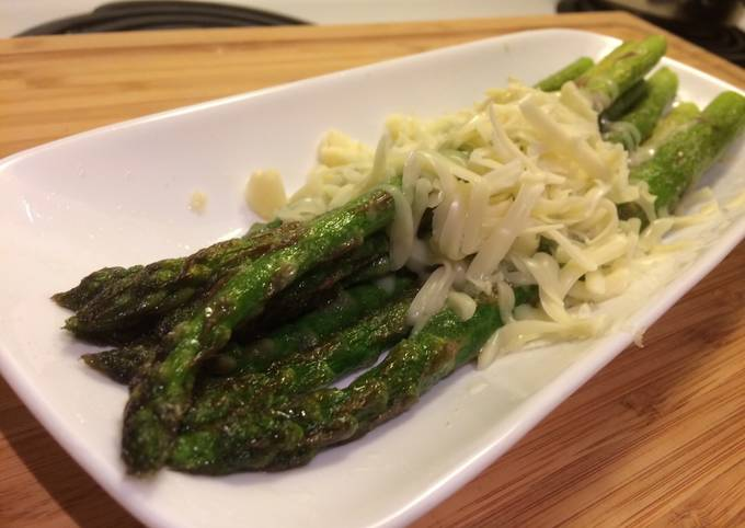 Kids loves simple taste!! Asparagus and cheese