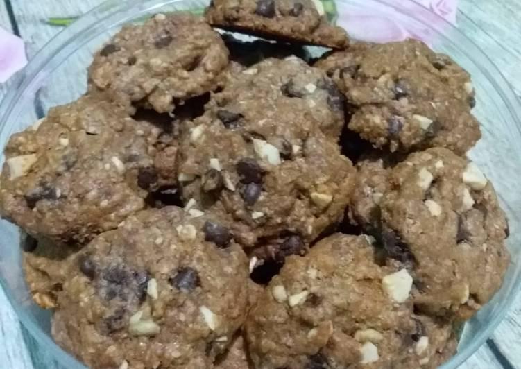 Cookies a la famous amous (copycat)