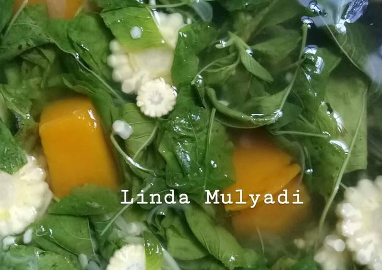Sayur bening (Labu kuning, bayam, dan jagung muda)