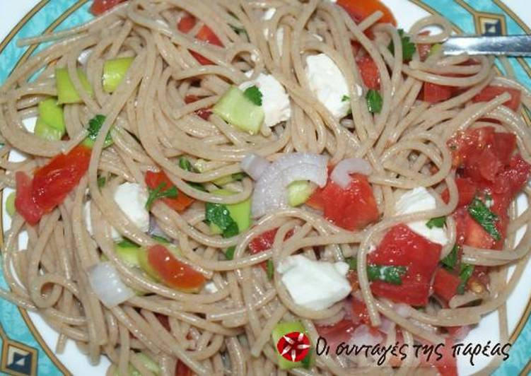 Spaghetti with tomato salad