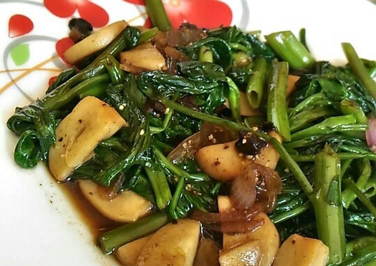 Cah kangkung jamur black garlic. #bikinramadhanberkesan