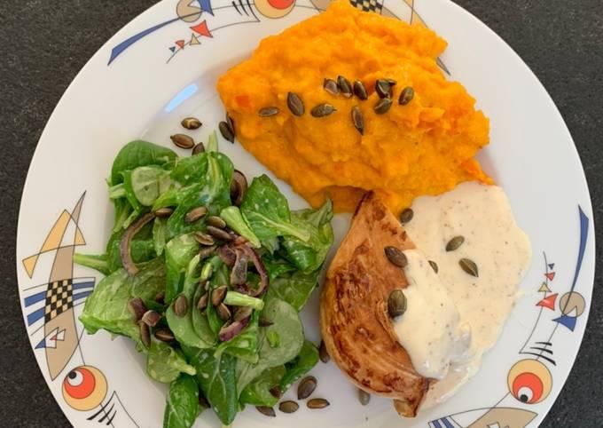 Schritt für Schritt Anleitung Um Ultimative Honig-Senf-Hähnchen mit Kürbispüree und Feldsalat zu machen