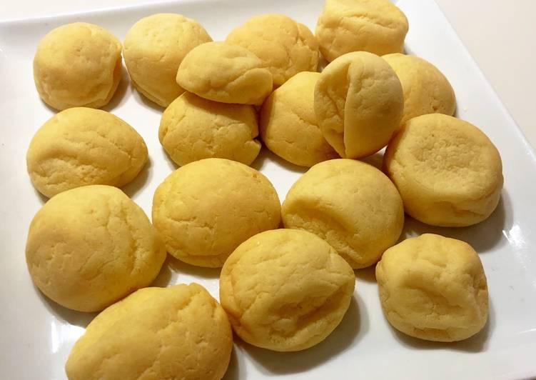 Steps to Prepare Speedy Cheese bread (Pão de queijo)