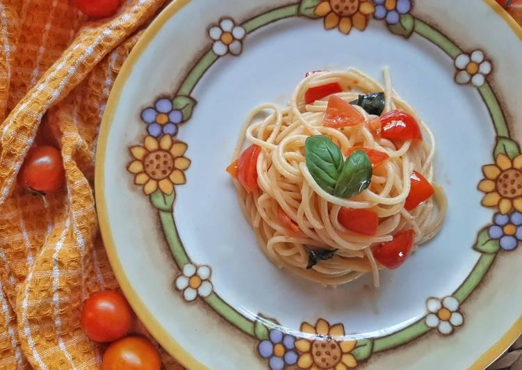 Ricetta Spaghetti con Pomodoro crudo e Basilico