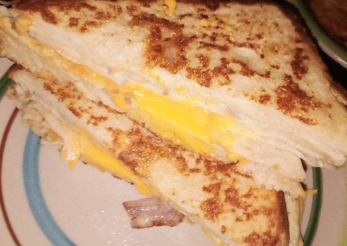 French Toast Omelette Sandwich