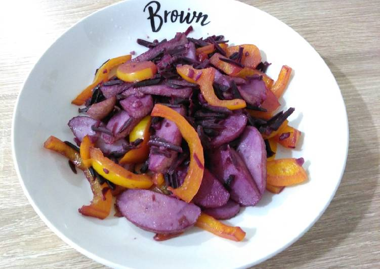 紫萝卜炒灯笼椒 Stir-fried Purple Carrot with Capsicum