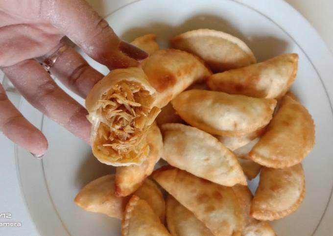 Cireng isi Ayam Suwir Pedas