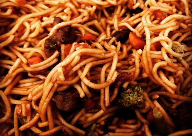 Lo mein with Beef & Broccoli, Heart Friendly Foods You Should Eat