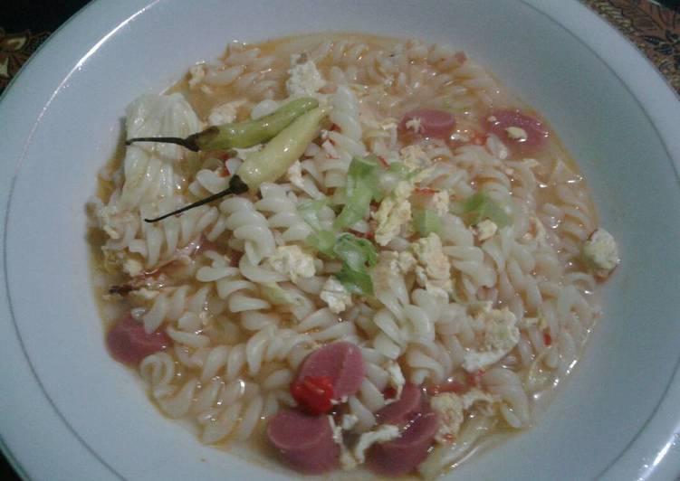 Seblak macaronni sosis