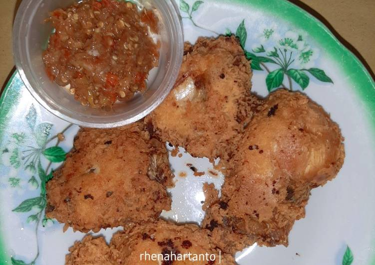 Ayam goreng keju + sambel terasi geprek ala debm