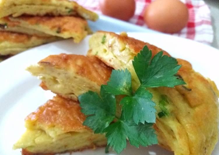 Resep Telur Dadar Tepung oleh Bu Wien - Cookpad