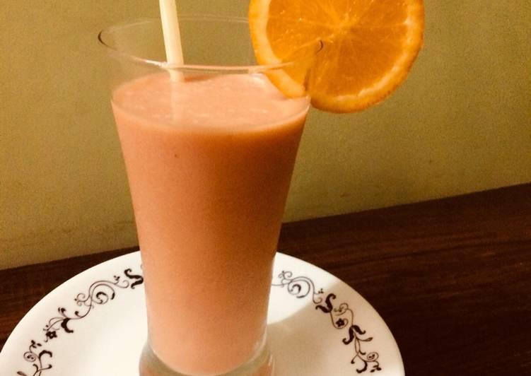 Papaya-banana -orange smoothie