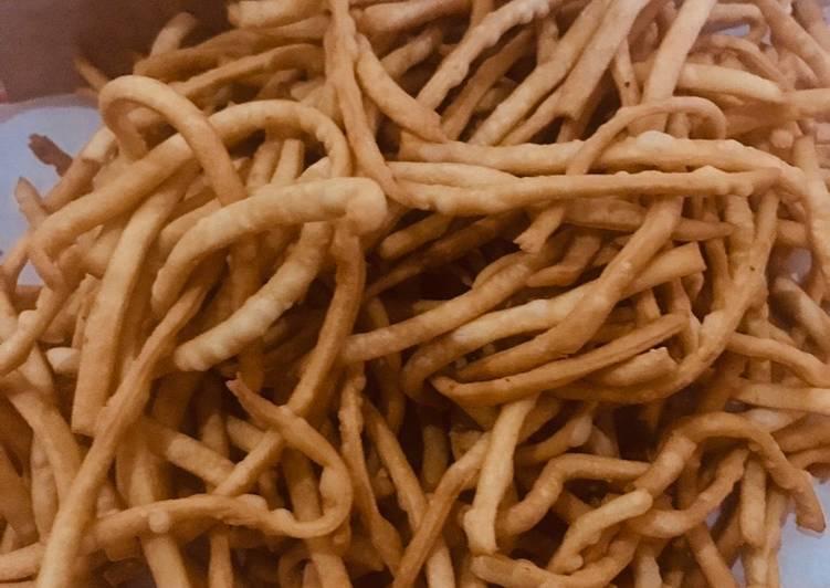 Stik bawang renyah dan gurih
