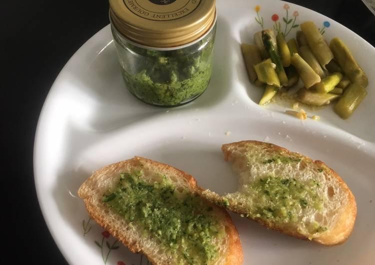 Step-by-Step Guide to Prepare Homemade Basil Pesto