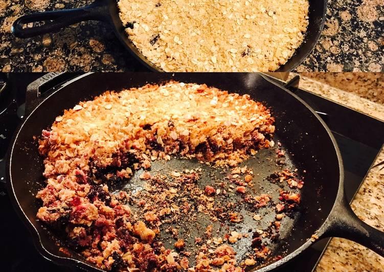 Vegan blackberry skillet cobbler