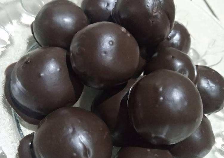 Bola Biskuit Coklat