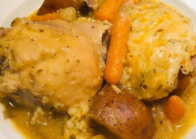 Easiest Way to Prepare Perfect Crockpot Chicken 🐔 Pot Pie with Cheesy Biscuits