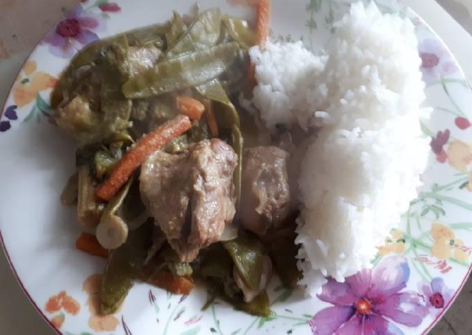 Cuisse de canard au curry vert et légumes