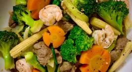 Hình ảnh món Thịt bò, tôm xào bông cải xanh, cà rốt, bắp non