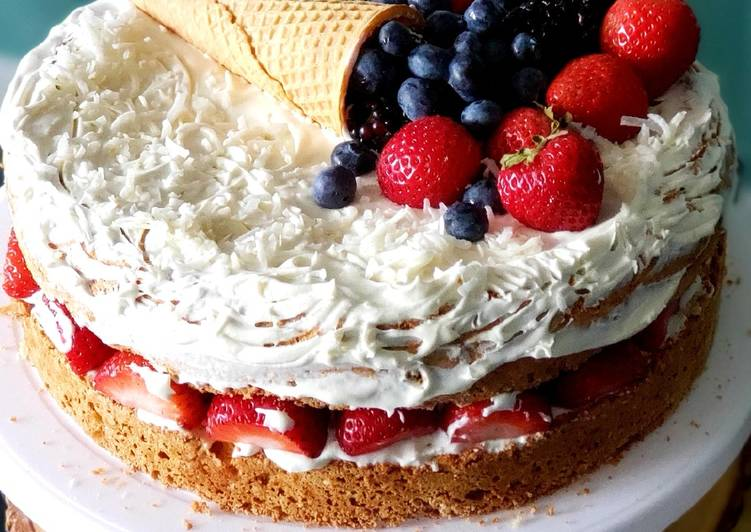 Steps to Prepare Homemade Berries & Cream Sponge Cake