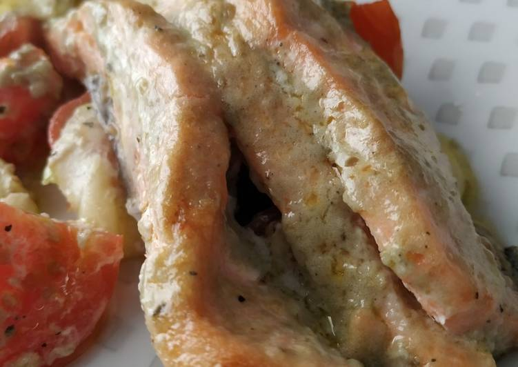 Salmón con roquefort y mantequilla