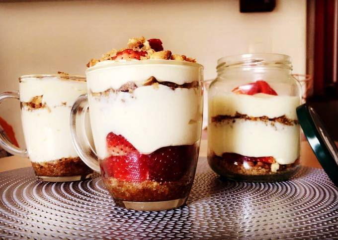 Tiramisu fraise et biscuits lu