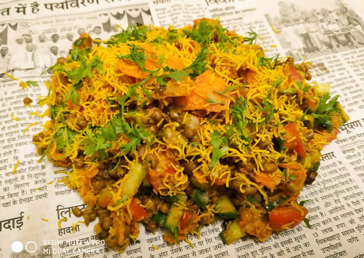 Recipe of Perfect Nachos Bhel
