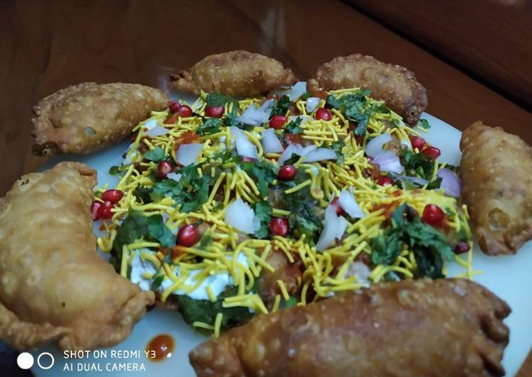 What is Dinner Easy Royal Ghughra chaat