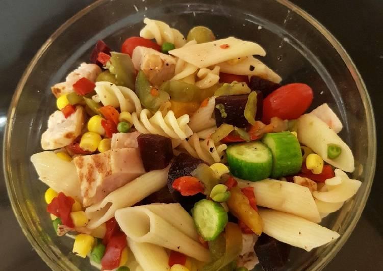 My Veggie, Salad, Chicken & Pasta. 😃